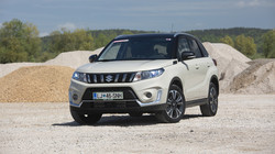 Suzuki vitara 1.4 boosterjet AT allgrip elegance top: Elegantni alpinist