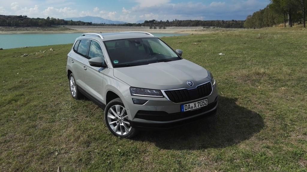 AVTO FOKUS - Škoda karoq: Kompaktni SUV po receptu kodiaqa ...