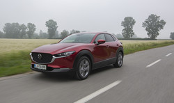 Mazda CX-30 G122 plus: Krivi so Kitajci