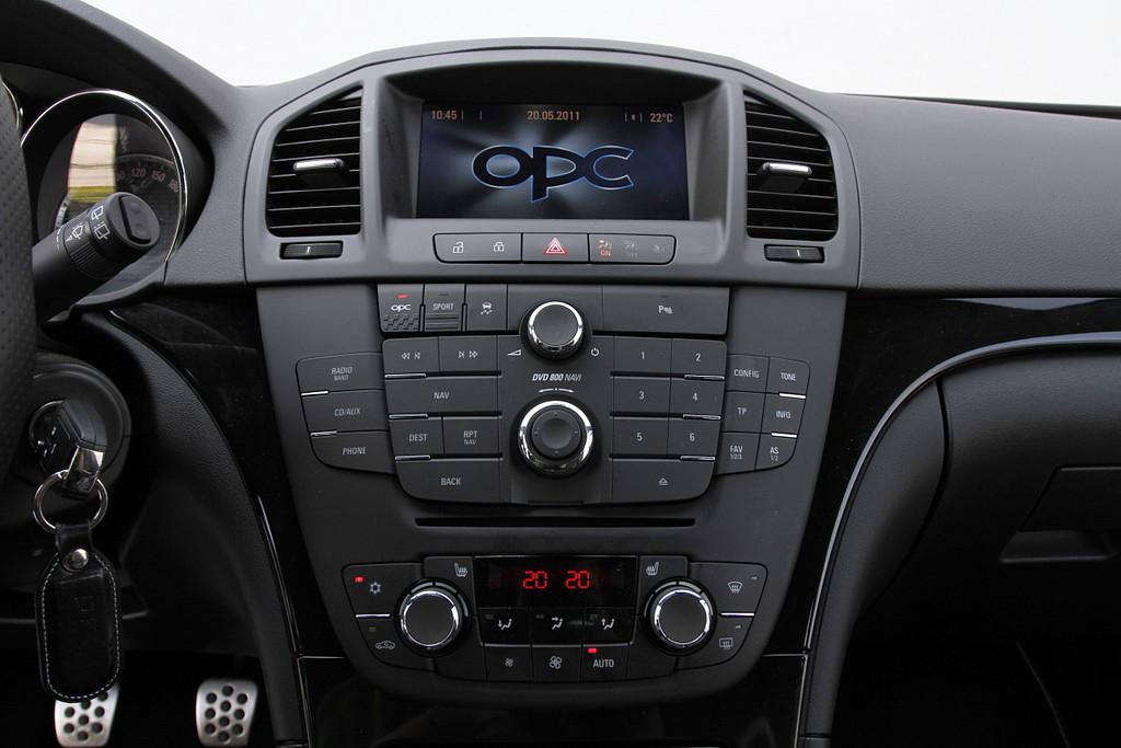 avto fokus opel insignia sports tourer 2 8 v6 turbo opc. Black Bedroom Furniture Sets. Home Design Ideas