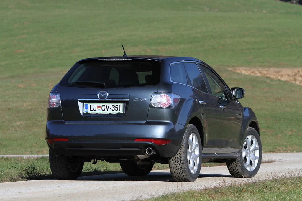 Mazda CX-7 je oblikovno skladen in tehnično dober športni terenec